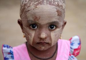 Rohingya girl with thanaka powder (REUTERS:Soe Zeya Tun) June 8 2017