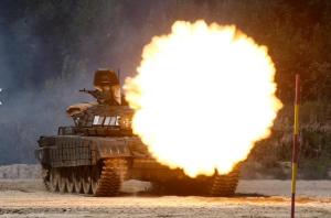 Russian tank ( REUTERS:Maxim Shemetov) Aug 7 2017