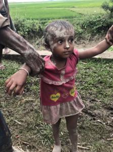 Rohingya 6 year old girl crossing border Sept 6 2017