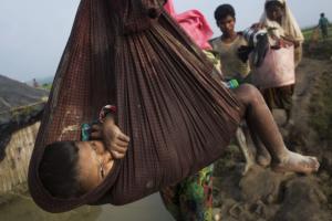 Rohingya child in sling ((Bernat Armangue:AP) Sept 7 2017