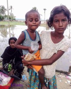 Rohingya girl and baby sister Sept 27 2017