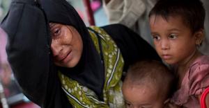 Rohingya mother refugee and kids (AP Photo:Bernat Armangue,) Sept 7 2017