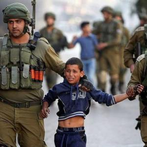 Pal boy & Israeli soldiers