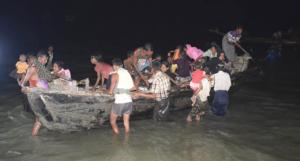 Re refugees on boat (dainikcoxsbazar) Oct 24 2017