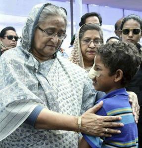 Sheikh Hasina with Rohingya boy Oct 21 2017