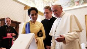 Suu Kyi & Pope Francis May 4 2017 at Vatican (Tony Gentile:AFP) Oct 18 2017