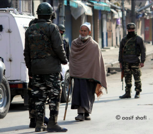 Elderly Kashmiri man investigated (Aasif Shafi) DEc 15 2017