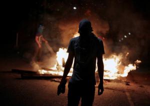Honduras protester (Jorge Cabrera:Reuters) Dec 26 2017