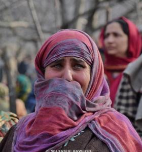 Grieving Kashmiri woman (Mudasir Rawloo) Jan 1 2018