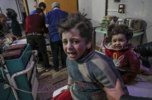 Eastern Ghouta injured kids at hospital (Mohammed Badra:EPA) Feb 22 2018