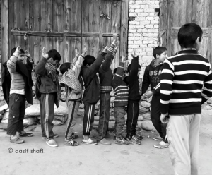 Kashmiri kids playing frisk (Aasif Shafi) Feb 8 2018