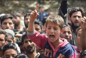 Kashmiri boy shouting freedom slogans at funeral of Ishfaq Ahmad (Basit Zargar) Apr 24 2018