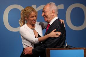 Shakira and Shimon Peres