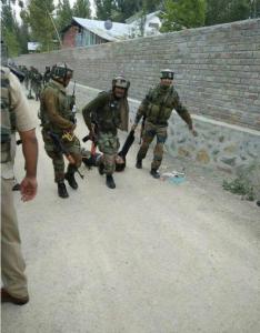 Indian soldiers dragging dead Kashmiris Sept 14 2018